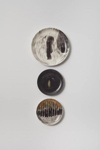 Standing Man / 2018 / glaze & 24K gold lustre on ceramic / wall mounted